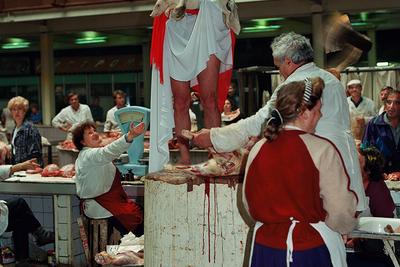 Олег Кулик (род. 1961) «Новая проповедь», 1994 Фотография Размер варьируется Тираж: 6/9 © Олег Кулик
