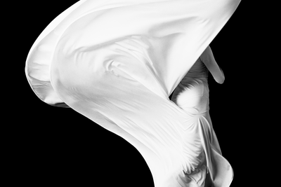 Howard Schatz (b. 1940) Pascale LeRoy 1, Smuin Ballet, photographed in San Francisco, February 1997, 1997 Archival pigment print, mounted on aluminium composite panel 100 х 100 cm © Lumiere Brothers Gallery